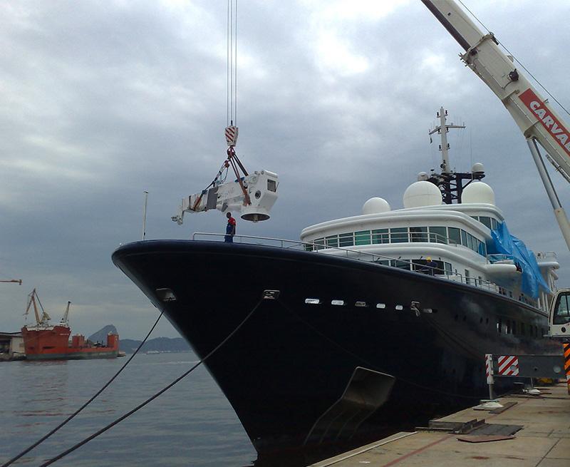 Installing-rebuit-Crane-130M-Yacht